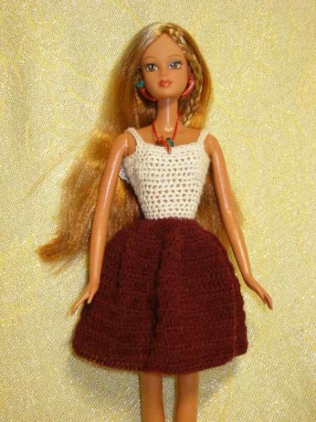 Вспомним детство - шьем одежду по выкройкам для куклы Барби.